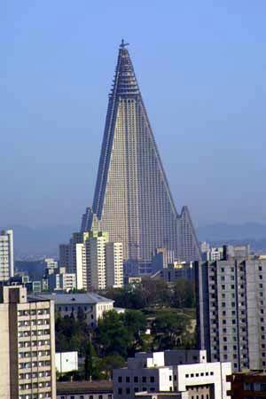 http://ryugyonghotel.com/photos/ryugyong-hotel-tower-2.jpg