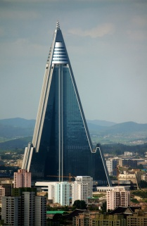 Ryugyong Hotel Tower under construction again